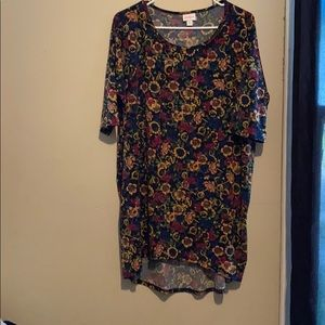 NWOT- LuLaRoe Irma Tunic Floral Top! Very Colorful